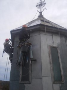 Alpinism Utilitar Brasov-vopsire-turla-biserica