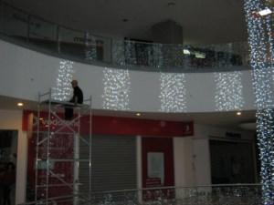 Alpinism Utilitar Brasov / montaj decoratiuni luminoase